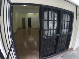 Foto Local en Alquiler en  Muñiz,  San Miguel  Serrano al 600