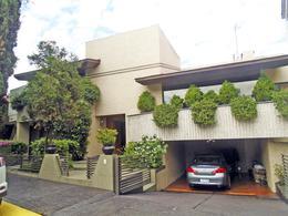 Foto Casa en Venta en  Paseo de las Palmas,  Huixquilucan  Casa en Venta en Paseo de las Palmas Huxquilucan con amplisimo jardín. Villa Trafalgar