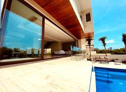 Foto Casa en Venta en  Puerto Cancún,  Cancún  EXCLUSIVA RESIDENCIA FRENTE AL CAMPO DE GOLF
