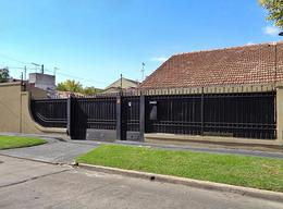 Foto Casa en Venta en  Villa Adelina,  San Isidro  Luis María Drago al 1000