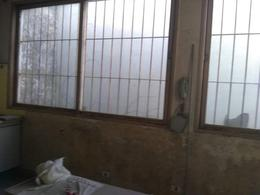 Foto Casa en Venta en  Sarandi,  Avellaneda  Lujan 476