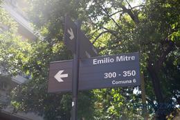 Foto Departamento en Venta en  Caballito Sur,  Caballito  Emilio Mitre al 200