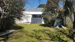 Foto Galpón en Venta en  Manuel B Gonnet,  La Plata  27 próximo a 493