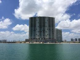 Foto Departamento en Venta en  Cancún,  Benito Juárez  Puerto Cancun Aria departamento piso alto