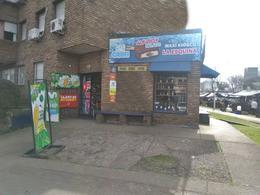 Foto Local en Venta en  La Blanqueada ,  Montevideo  Llave de comercio, con juego de azar