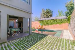 Foto Casa en Venta en  Manuel B Gonnet,  La Plata  15 Bis Esquina 494
