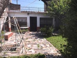 Foto Casa en Venta en  Lomas de Zamora Oeste,  Lomas De Zamora  Piaggio 1070