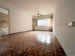Foto Apartamento en Venta en  Barrio Sur ,  Montevideo  Zelmar Michellini al 1100