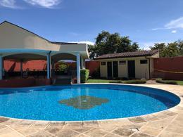 Foto Casa en condominio en Venta en  Santana,  Santa Ana  Lindora / Casa en condominio de 3 habitaciones/ Amplia /  Piscina / Seguridad