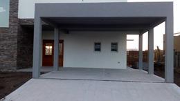Foto Casa en Venta en  El Canton - Norte,  Countries/B.Cerrado (Escobar)  Libertad (Escobar) al 300