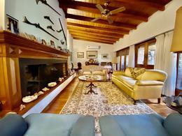 Foto Casa en Venta en  Martinez,  San Isidro  Pasteur al 800