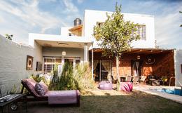 Foto Casa en Venta en  Villa Cabrera,  Cordoba  Pasaje Los Lirios al 1500