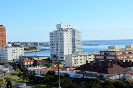 Foto Departamento en Alquiler | Alquiler temporario en  Playa Mansa,  Punta del Este  Av. Chiverta Prda 3 Mansa