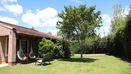 Foto Casa en Venta en  City Bell,  La Plata  ALVEAR y 26