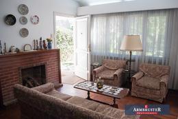 Foto Casa en Venta en  Adrogue,  Almirante Brown  ferrari 105