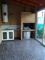 Foto Casa en Venta en  Canning (Ezeiza),  Ezeiza  Venta con renta - Dúplex en Canning sobre la calle Roca ¡APTO CRÉDITO!