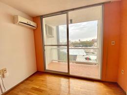 Foto Apartamento en Venta en  La Comercial ,  Montevideo  Martin Fierro al 2400