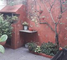Foto Casa en Venta en  Moron Sur,  Moron          Pasaje Pisano  400
