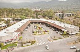 Foto Local en Renta en  Escazu,  Escazu  Local comercial en alquiler en Escazú.