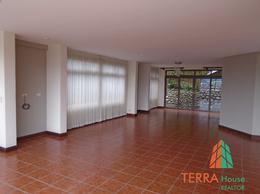 Foto Casa en Venta | Renta en  Escazu,  Escazu  PRECIOSA RESIDENCIA EN ESCAZU, CONDOMINIO EXCLUSIVO Y SEGURO.