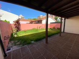 Foto Casa en Venta en  Acassuso,  San Isidro  Impecable casa totalmente reciclada| Arenales al 1100