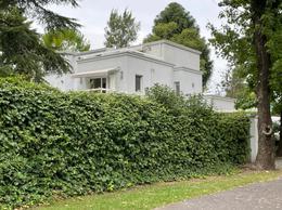 Foto Casa en Venta en  Las Lomas de San Isidro,  San Isidro  Esnaola al 1200