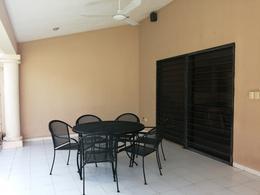Foto Casa en Venta en  Fraccionamiento Monterreal,  Mérida  Casa en Esquina Sobre Avenida Monterreal