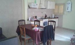 Foto Casa en Venta en  Valentin Alsina,  Lanus  PASAJE TARIJA 1100
