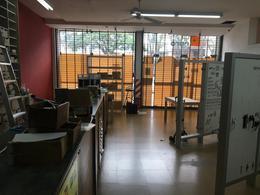 Foto Local en Alquiler en  La Lucila,  Olivos  Av. Maipu al 4100