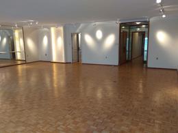 Foto Departamento en Alquiler en  Pocitos ,  Montevideo  Martí y Rambla