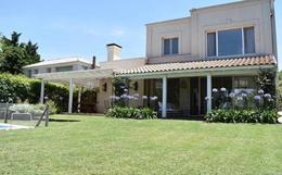 Foto Casa en Alquiler | Venta en  Villa Pacheco,  Countries/B.Cerrado (Tigre)  Av. Gral. Pacheco ~Villa Pacheco