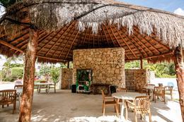 Foto Casa en Venta en  Playa Sol,  Solidaridad  Casa en Venta Playa del Sol condominio con alberca Playa del Carmen P3285