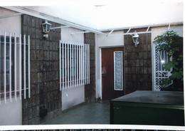 Foto Casa en Venta en  Lomas De Zamora,  Lomas De Zamora  Larrea 165