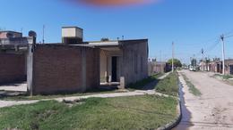 Foto Casa en Venta en  San Miguel De Tucumán,  Capital  Barrio al 200