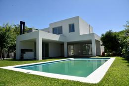 Foto Casa en Venta en  Talar Del Lago I,  Countries/B. Cerrado (General Pacheco)  TALAR DEL LAGO I