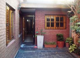 Foto Casa en Venta en  Lomas de Zamora Este,  Lomas De Zamora  Lugano al 200