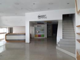 Foto Local en Alquiler en  Almagro ,  Capital Federal  Rivadavia al 3400