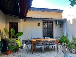 Foto Casa en Venta en  Adrogue,  Almirante Brown  Cerreti al 1100