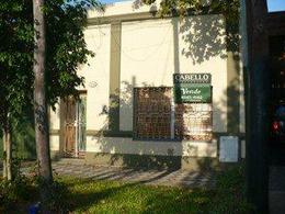 Foto Casa en Venta en  Lomas de Zamora Oeste,  Lomas De Zamora  ALMAFUERTE 100