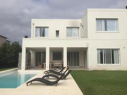 Foto Casa en Alquiler | Venta en  El Golf,  Nordelta  Golf