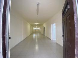 Foto Local en Renta en  Cancún,  Benito Juárez  Local u Oficinas De 240 m2 En Avenida Tulum