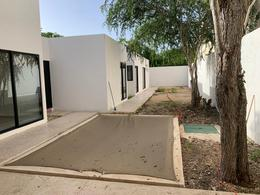 Foto Casa en Venta en  Pueblo Chablekal,  Mérida  Privada Chaactun lote