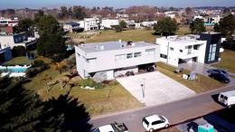 Foto Casa en Venta en  Terralagos,  Countries/B.Cerrado (Ezeiza)  CASA EN VENTA : CANNING : TERRALAGOS