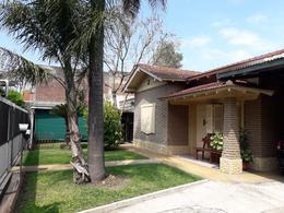 Foto Casa en Venta en  Florencio Varela,  Florencio Varela  Velez Sarsfield 343