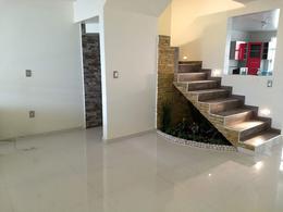 Foto Casa en Venta en  San Felipe Tlalmimilolpan,  Toluca  CASA SOLA A ESTRENAR EN VENTA