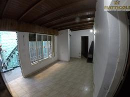 Foto PH en Venta en  Villa Ballester,  General San Martin  Artigas al 4800