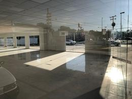 Foto Local en Renta en  Fraccionamiento Pensiones,  Mérida  Local con amplia vista de 1500m² (subdivididos), de superficie, 252m² de construcción, con 9 cajones de estacionamiento, baños