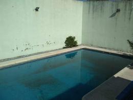 Foto Casa en Venta en  La Plata ,  G.B.A. Zona Sur  al 100