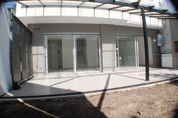 Foto Casa en Venta en  San Andres,  General San Martin  Intendente Alvear al 3500