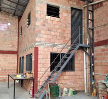 Foto Depósito en Alquiler en  Santa María,  San Lorenzo  Alquilo Tinglado 120m2 barrio Santa Maria en San Lorenzo
